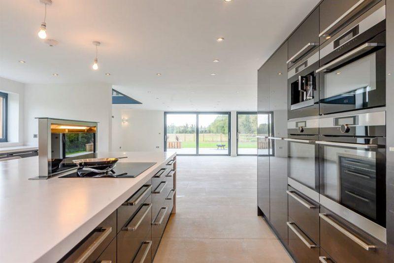 Perierga.gr - Ένας αχυρώνας γίνεται πολυτελές σπίτι αξίας εκατομμυρίων!
