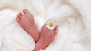Perierga.gr - Το μωρό που «έσπασε» την απαγόρευση γεννήσεων σε νησί της Βραζιλίας