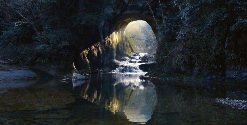 Σε αυτή τη σπηλιά δημιουργείται μια καρδιά με το φως του ήλιου!