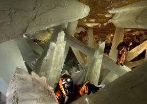 Η σπηλιά των γιγάντιων κρυστάλλων