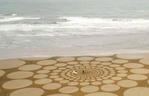 Απίστευτη ζωγραφική στην άμμο