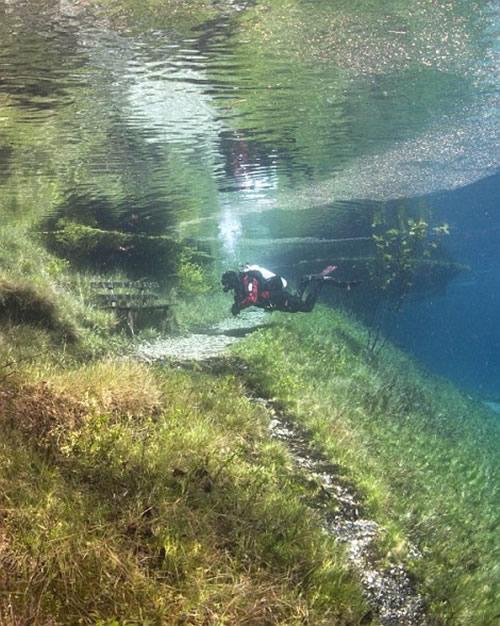 Perierga.gr - Πράσινη λίμνη