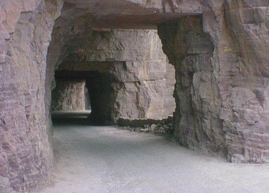 perierga.gr - Ο περίεργος δρόμος του Guoliang