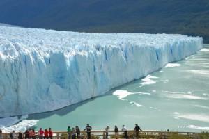 Ο εντυπωσιακός παγετώνας Perito Moreno