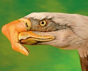 Εντυπωσιακά ζωγραφισμένα χέρια