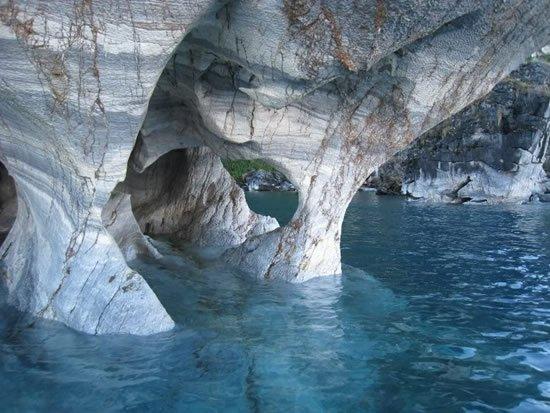 Perierga.gr - Σπηλιές από μάρμαρο