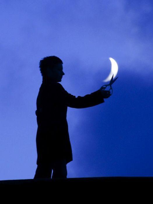 Perierga.gr - Παίζοντας με το φεγγάρι