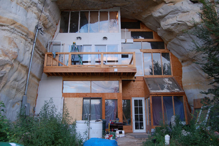 Perierga.gr - Σπίτι στο βράχο!