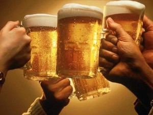 Perierga.gr - Ποτήρια μπύρας
