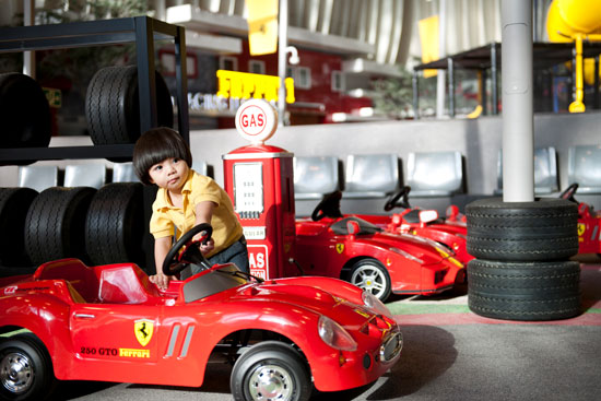 Perierga.gr - Ferrari Abu Dhabi