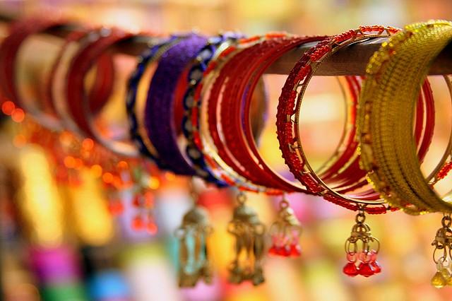 Perierga.gr - Η αγορά των βραχιολιών!