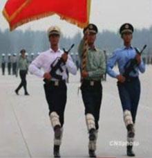 Perierga.gr - Προετοιμασίες παρέλασης στην Κίνα