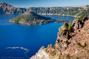 Λίμνη σε κρατήρα ηφαιστείου!