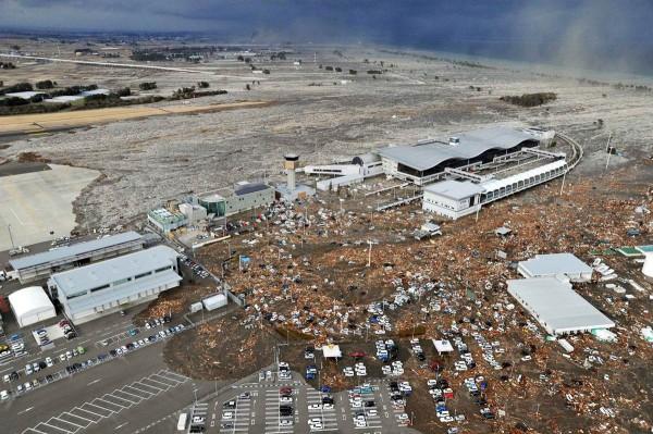 Perierga.gr - Συγκλονιστικές φωτογραφίες από το τσουνάμι!