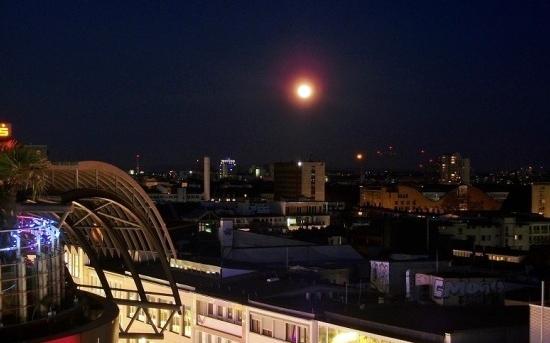 Perierga.gr -  Η Σελήνη στην πιο κοντινή  απόσταση!