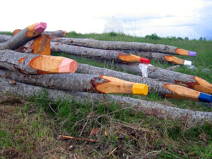 Perierga.gr - Μολύβια από κορμούς δέντρων!