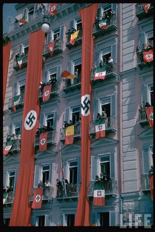 Perierga.gr - Φωτογραφίες του Χίτλερ