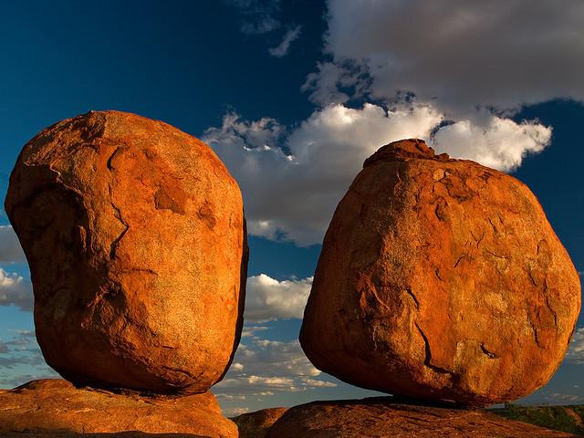 Perierga.gr - Διαβολικές πέτρες!