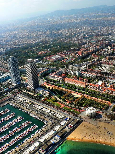 Perierga.gr - Η Βαρκελώνη από ψηλά!