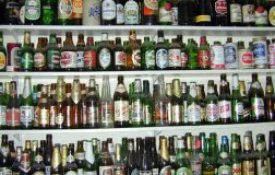 Perierga.gr - Ντόμινο από μπουκάλια!