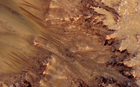 Perierga.gr - Βρέθηκε νερό στον Άρη