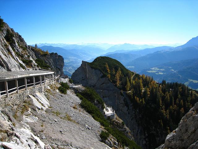 Perierga.gr - Η σπηλιά των... πάγων
