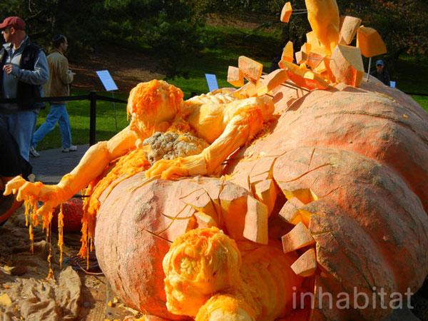 perierga.gr - Η μεγαλύτερη κολοκύθα στον κόσμο έγινε... γλυπτό
