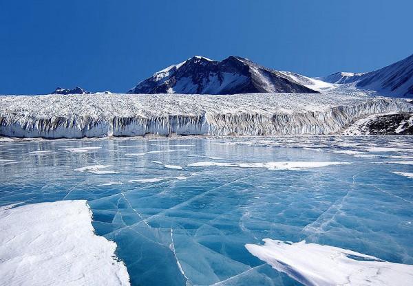 Perierga.gr - Γιατί «τραγουδάει» ο πάγος στις μεγάλες λίμνες;