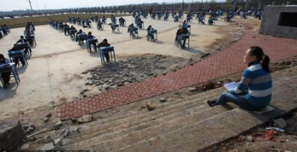 Perierga.gr - Αντιγραφή τέλος σε αυτό το σχολείο