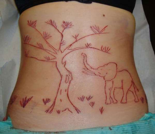 perierga.gr - Το τατουάζ του... τρόμου λέγεται scarification!