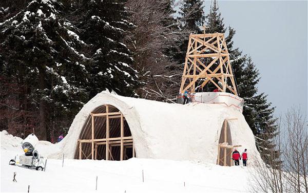 perierga.gr - Μια ασυνήθιστη καθολική εκκλησία από πάγο!
