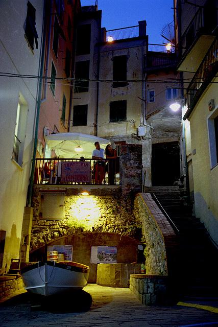 "perierga.gr - Το πιο ""χρωματιστό"" χωριό της Ευρώπης!"