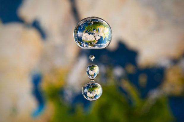 perierga.gr - Σε μια σταγόνα νερού... όλοι οι πλανήτες!