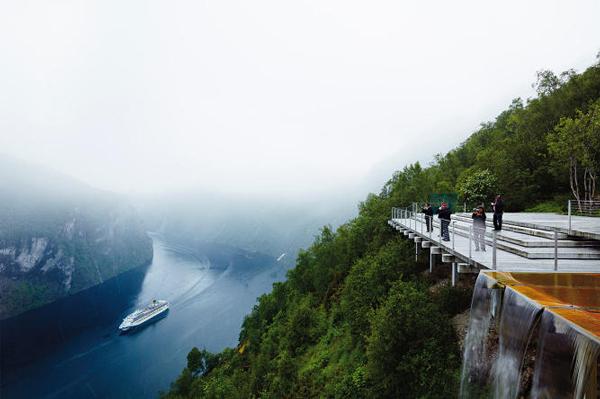 20 συναρπαστικές πλατφόρμες με την καλύτερη θέα στον κόσμο!