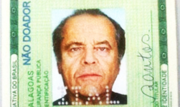 perierga.gr - Έβαλε τη φωτο του Τζ. Νίκολσον σε πλαστή ταυτότητα!