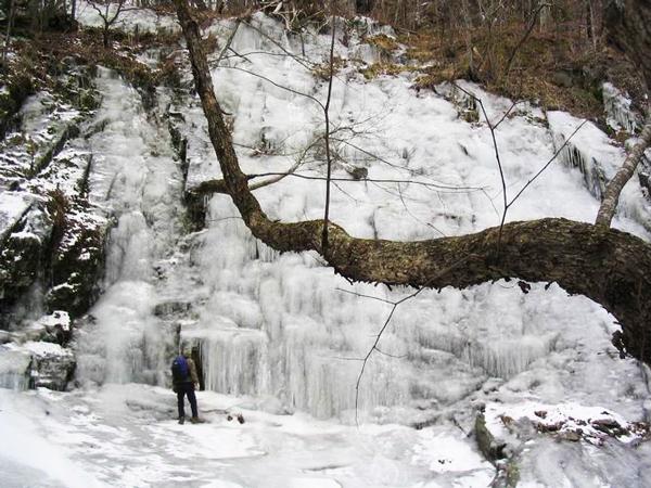 perierga.gr - Ένα σπάνιο παγωμένο ποτάμι στη Ρωσία!