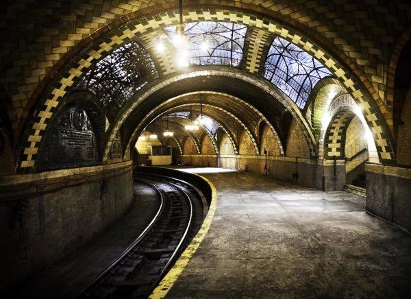 perierga.gr - Ένας εγκαταλειμμένος σταθμός... έργο τέχνης!