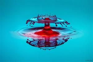 Σταγόνες σχηματίζουν... υδάτινα γλυπτά