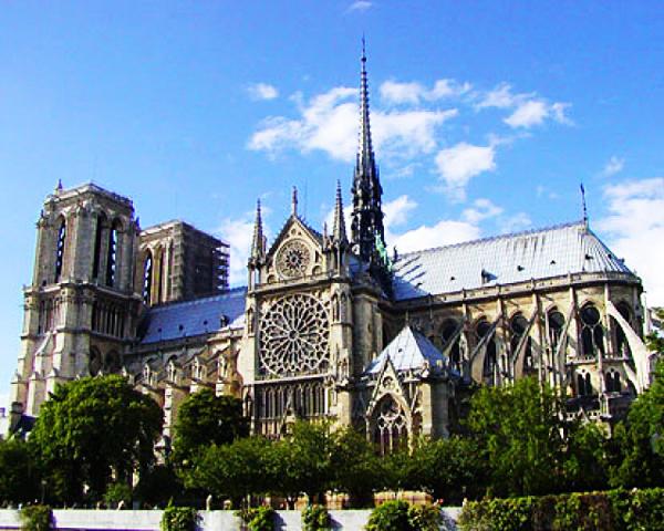Παναγία των Παρισίων, Παρίσι