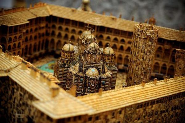 perierga.gr - Ένα ορθόδοξο μοναστήρι από 6 εκατομμύρια σπίρτα!