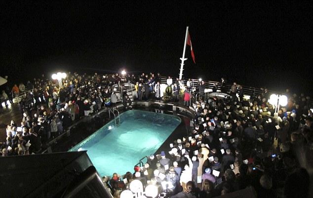 Perierga.gr - Ανατριχιαστικές φωτογραφίες από το ναυάγιο του Τιτανικού