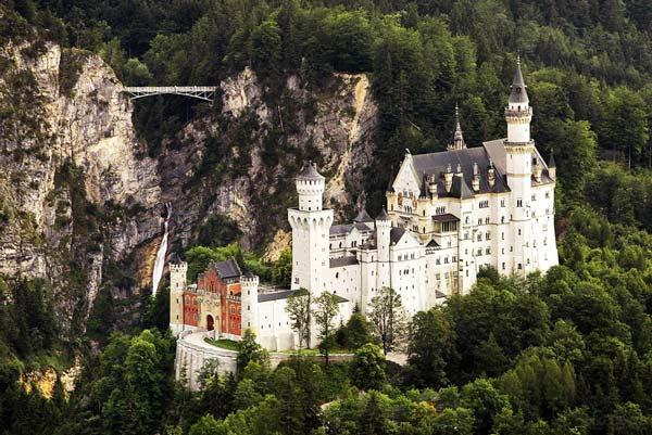 perierga.gr - Κάστρο Neuschwanstein, βγαλμένο από παραμύθι!