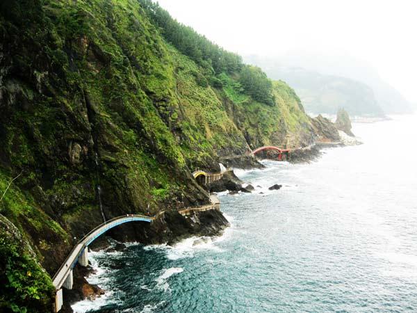 "perierga.gr - Haengnam Coastal: Ένα ""μονοπάτι"" πάνω στη θάλασσα!"