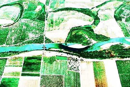 perierga.gr - Αεροφωτογραφίες στο δάπεδο του αεροδρομίου!
