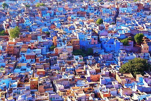 """perierga.gr - 8 """"μονόχρωμες"""" πόλεις του κόσμου!"""