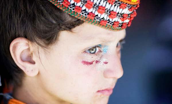 """perierga.gr - Kalash: Η άγνωστη """"λευκή φυλή"""" του Πακιστάν!"""