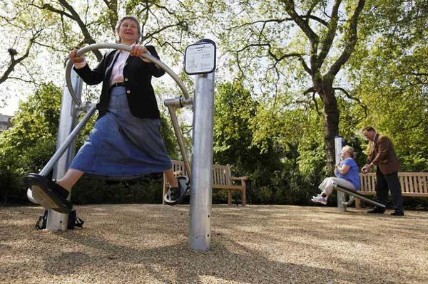 "perierga.gr - Η πρώτη ""παιδική χαρά"" για συνταξιούχους!"