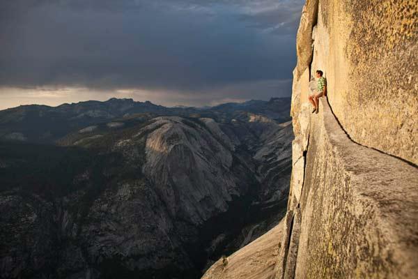 perierga.gr - Στις κορυφές του κόσμου χωρίς σχοινιά!