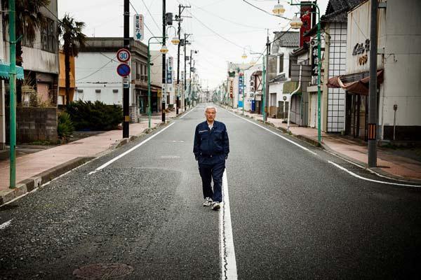 perierga.gr - Ο μοναδικός κάτοικος στη Φουκουσίμα!