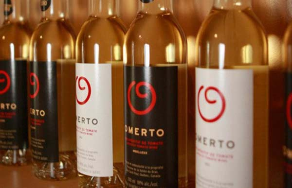 perierga.gr - Οινοποιός παρασκευάζει κρασί από... ντομάτες!